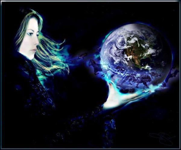 Donna con il mondo in mano